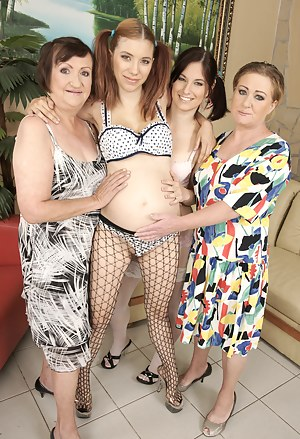 Pregnant Girls Porn Pictures